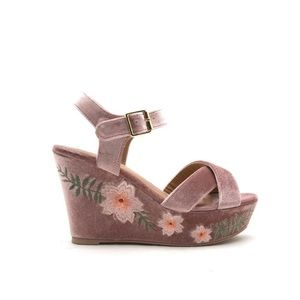 Qupid Blush Embroider Floral Open Toe Wedge